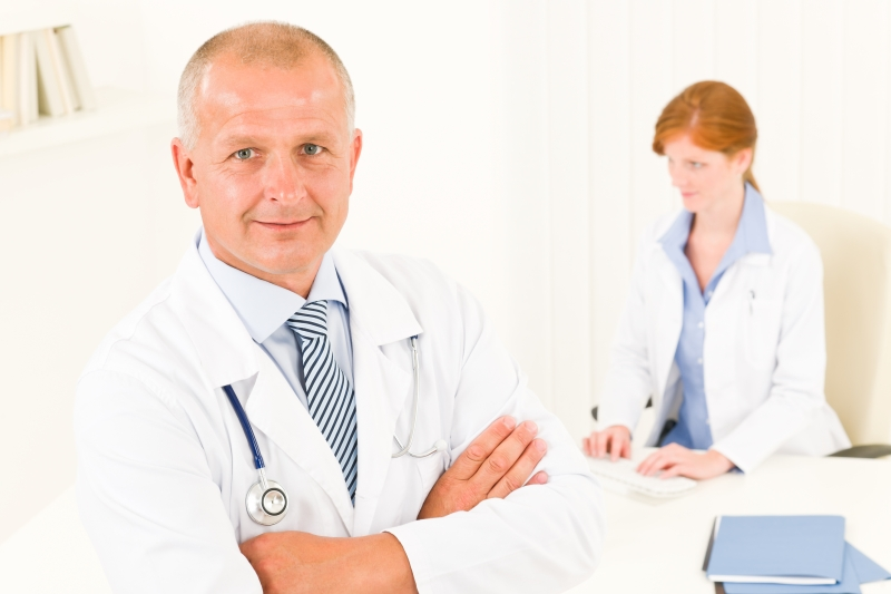 medical-doctor-team-senior-male-young-woman